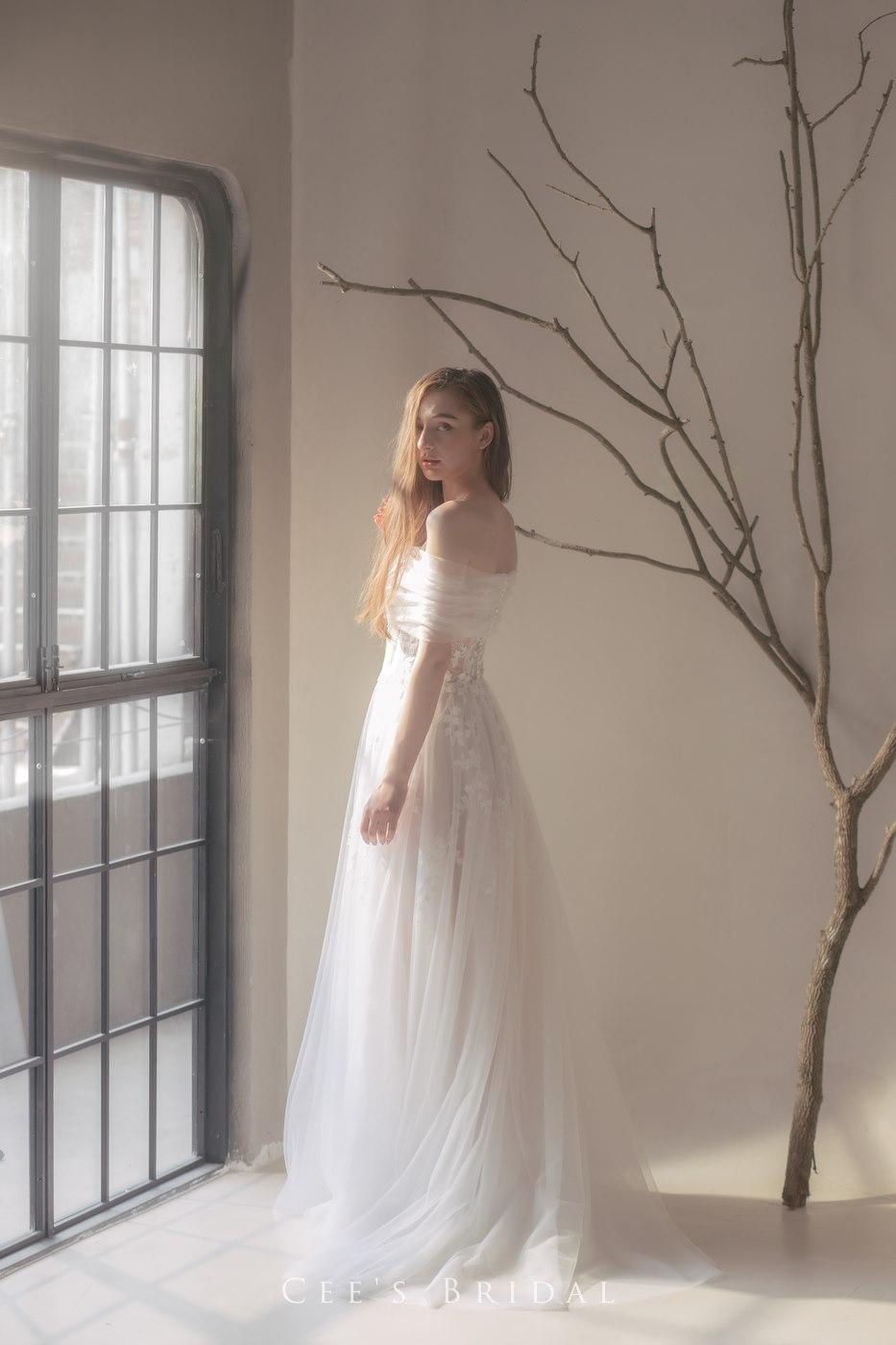 Hiskories Gown