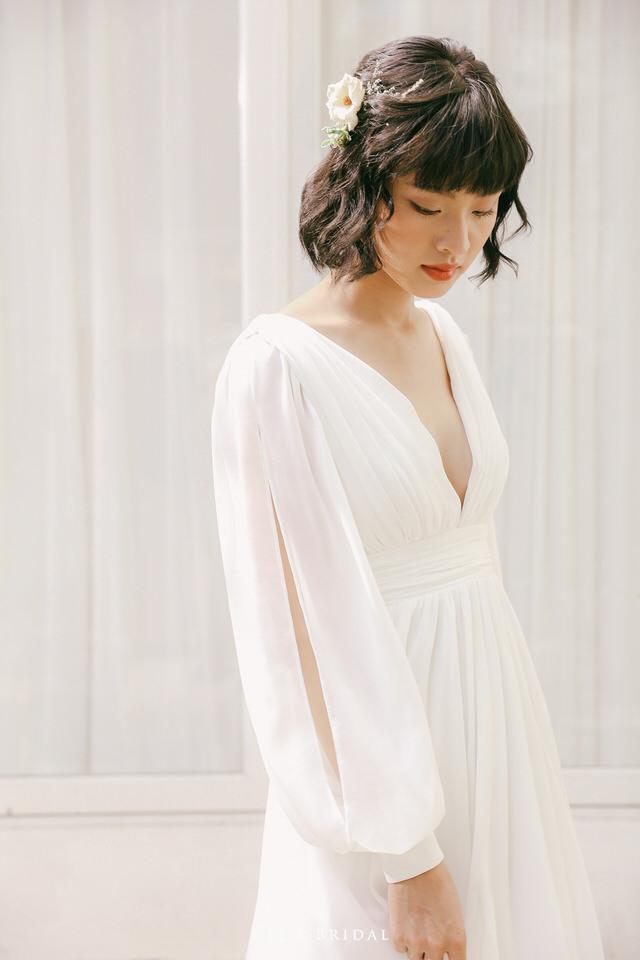 NW-111 | Slit Sleeve V-neck Front and Back Gathered Chiffon Dress