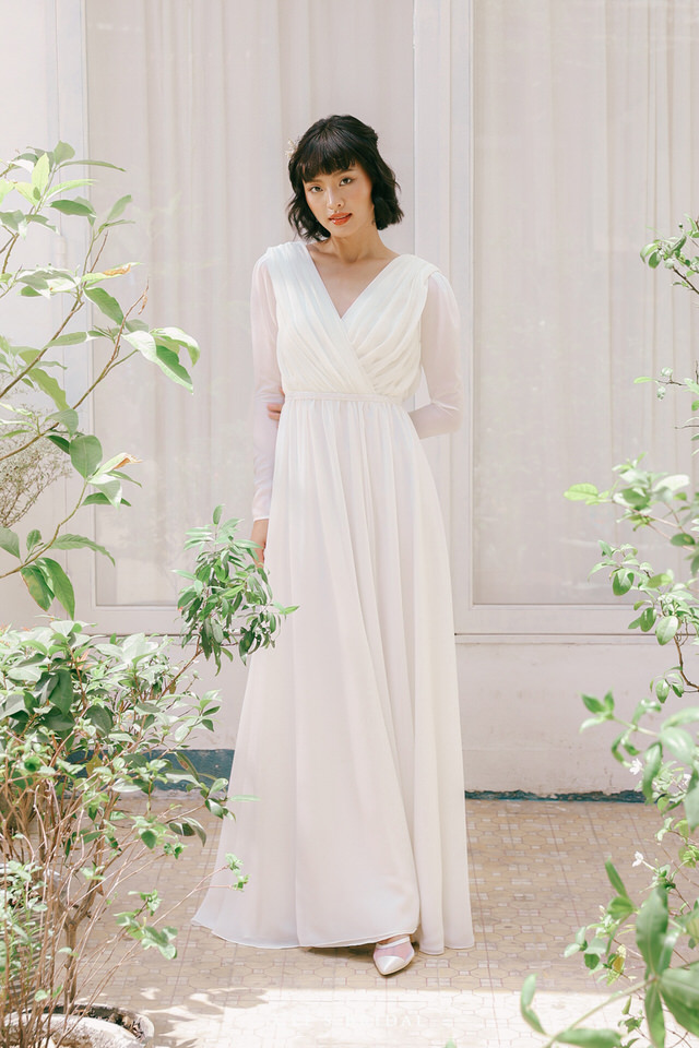 NW-107 | V-neck Front and Back Chiffon Dress